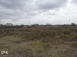 1/4acre along eastern bypass next to a petrol station
