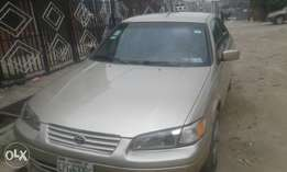 Toyota Camry 2000 model (tiny light)
