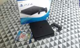 PS4 Slimline almost new