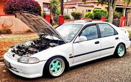 Looking for a R10000 car must run and must have pappers