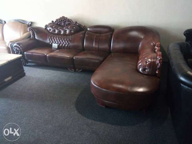 Royal sofa leather chair L shape by 7seaters Lagos Mainland - image 2