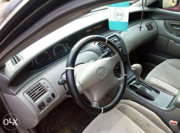 TOYOTA AVALON 2004 Very Clean_Give Away Price Benin City - image 5