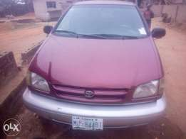 Toyota Sienna 99 model 4 sale