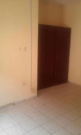 Very Spacious and lovely 3bedroom flat in a good area in Lifecamp Atu - image 5