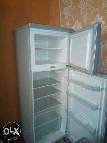 I have some personal problem, this fridge is mine and good. Nyahururu - image 5