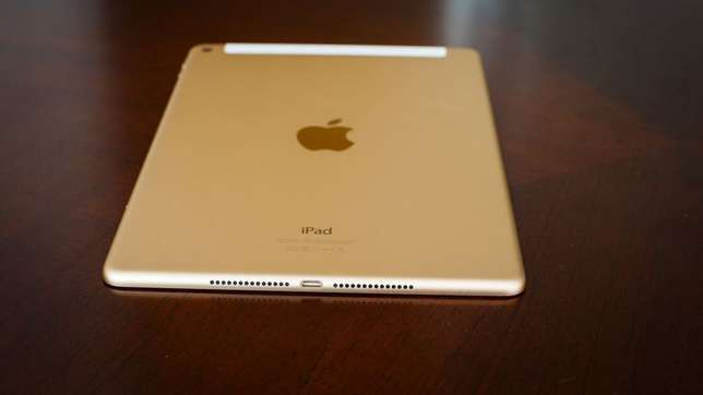 Like New Rose Gold iPad Mini 4, 128gb LTE/4G/Cellular & WiFi for Sale. Edenvale - image 1