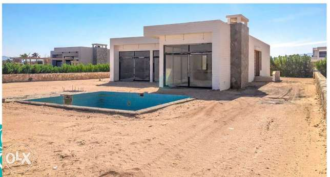 Ready to move stand alone in soma bay beach front with 5years plan الغردقة -  2