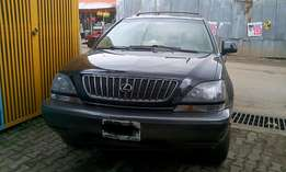 Well maintained 10months old used Lexus RX300 (2000)