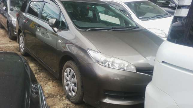 Extremely Clean Toyota Wish. Parklands - image 1