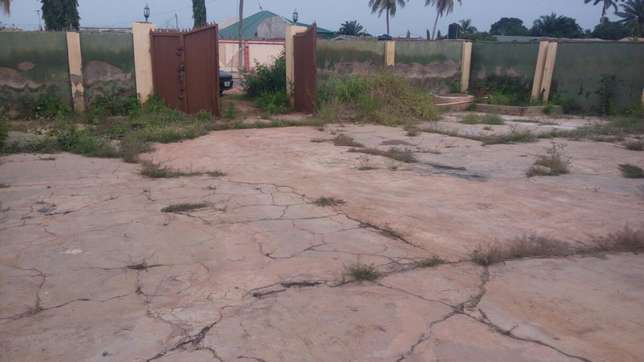 Twin flat (3 Bedroom flat each) with 2 Room and parlor self con Ilorin West - image 8