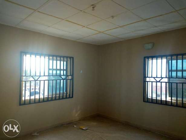 Room and parlour self contain to let at oluwatuyi Akure South - image 3