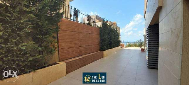 High end modern apartment with stunning terrace in Elissar