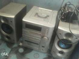 Kenwood double speakers with step down in a good condition serious buy