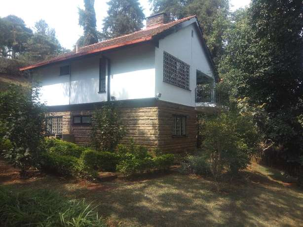 3 bedrooms 21/2 bathrooms own compound to let in kyuna. Westlands - image 1