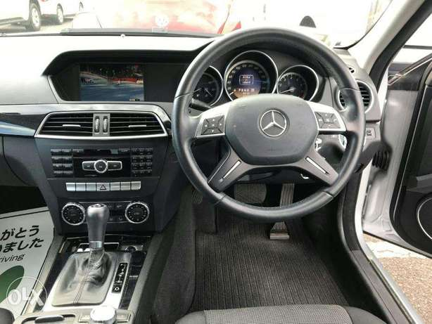 mercedez benz C200 of year 2011 for sale from a yard in Japan Utawala - image 2