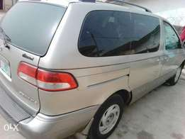 Toyota Sienna is for sale in kubwa