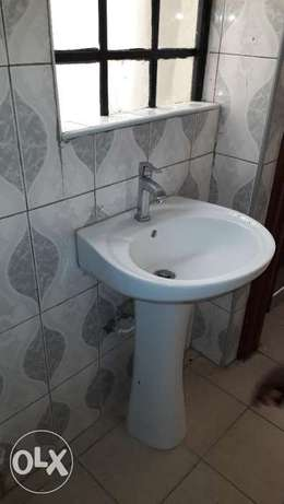 Clean one bedroomed available in Parklands Parklands - image 5