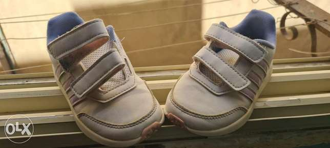 Girls shoes-adidas-mint condition