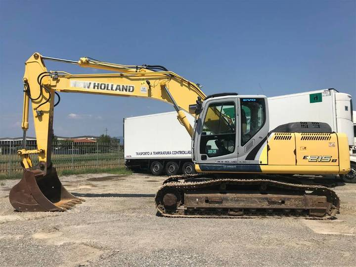 New Holland E 215 B - 2011