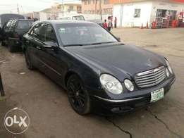 A super clean naija used 2005 Mercedes benz E320 for sale