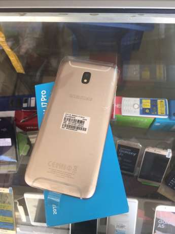 brand new Samsung Galaxy j7 pro 32GB 4G 64bit Octa core processor 13mp Nairobi CBD - image 2
