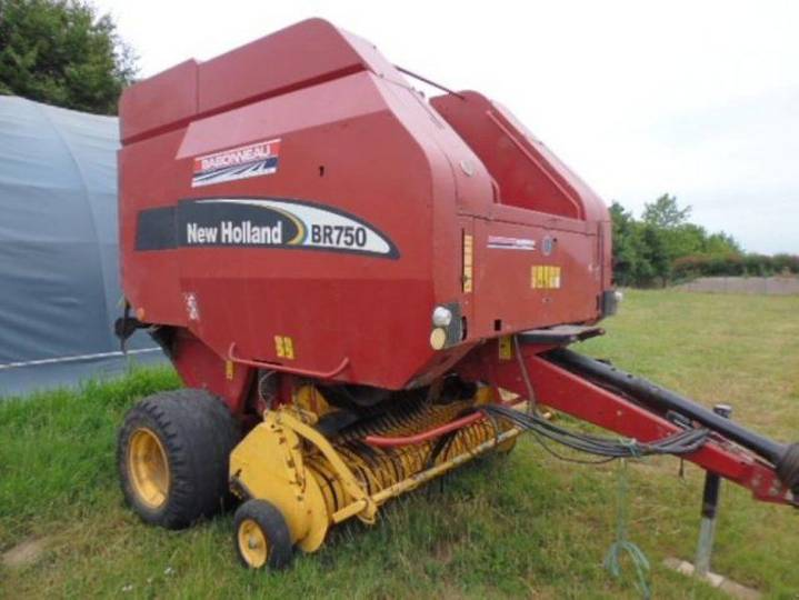 New Holland br750 - 2004