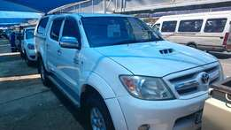 Toyota Hilux 3.0 D4D D/C 4x2 2008 model. Full service at Toyota agents