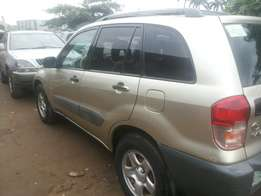 Nigeria used toyota rav 4 for sale.