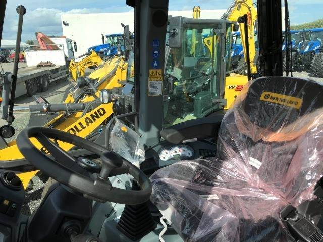 New Holland B100c Sss - 2018 - image 4
