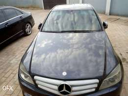 Very clean C300 Benz for sale!!!