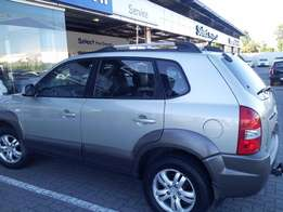 2007 Hyundai Tucson 4x2 for sale Excellent condition inside and out.