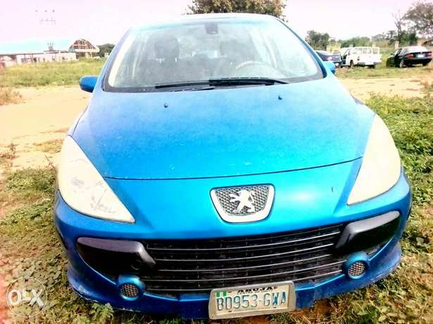 Clean Peugeot 307 for sale Kuje - image 4