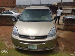 8-Months Old 2005 Toyota Sienna Full Option DVD