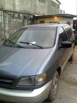 Used Toyota sienna 1999 model