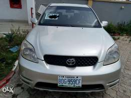 Neatly used Toyota matrix 04 on sale