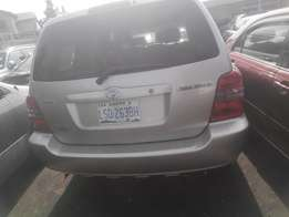 fairly used 2003,toyota highlander fabric clean interior,buy n driv