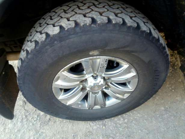 Quick sale! Clean Toyota Prado KAU now available at 1.25m asking! Mombasa Island - image 4