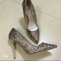 Cover shoe