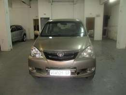 2010 TOYOTA AVANZA 1.5 gold in colour
