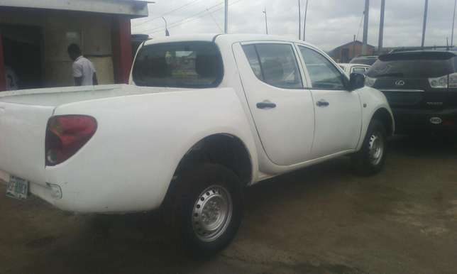 A clean mitsubishi L200 pick up Agege - image 2