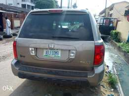 super clean honda pilot 2004 model (toks standard)