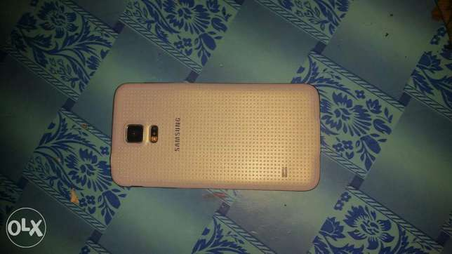 White Samsung Galaxy S5 (32gb rom) water resistant Agege - image 3
