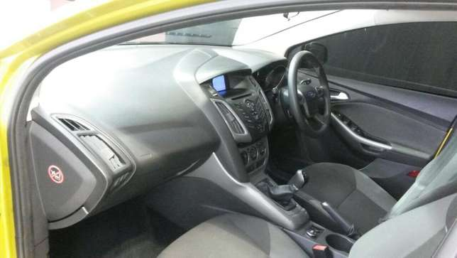 2011 Ford Focus 2.0 Gdi Trend 5dr Durban - image 3