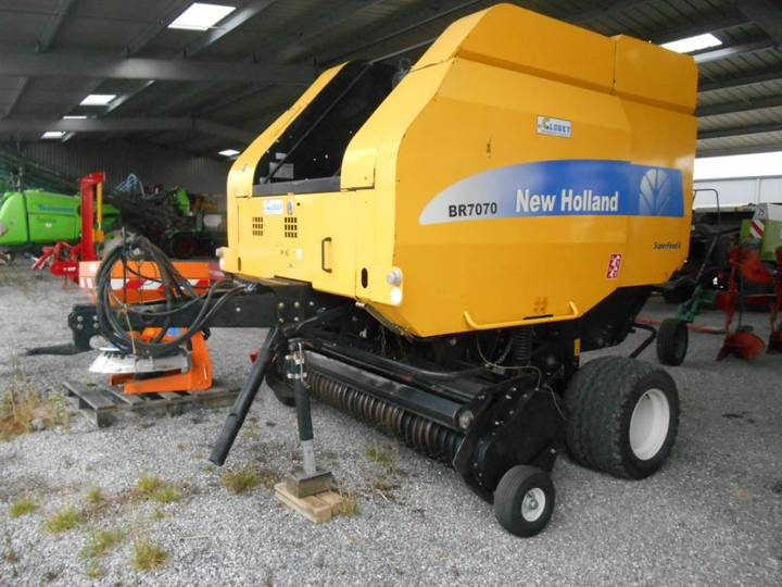 New Holland Br 7070 - 2012
