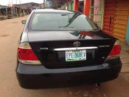 Super clean XLE toyota Camry for sale 05 model V6 engine first body