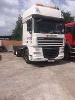 .Daf Euro 5 105.460 double axil tractor unit.
