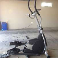 Horizon Fitness Elliptical Trainer Model Andes 409