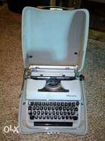TypeWriter machince