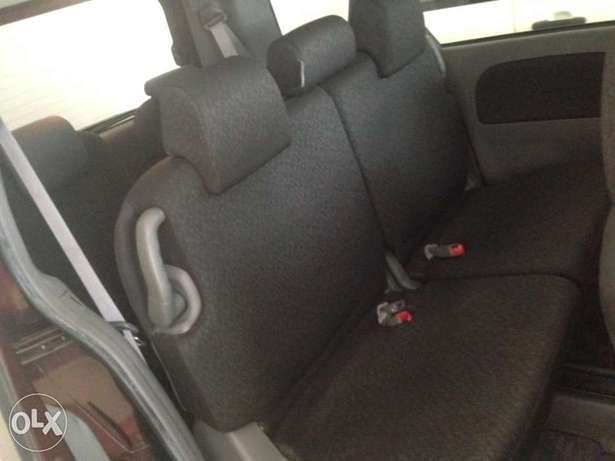 Toyota sienta maroon colour fully loaded kcp 2011 model Timbwani - image 6