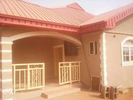 2brm to let in igbogbo